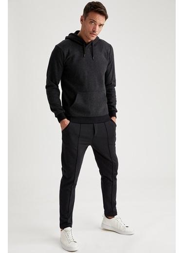 DeFacto Slim Fit Kapüşonlu Sweatshirt Siyah
